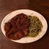 Spaghettini Al Pesto Con Sabana De Lomo Apanado