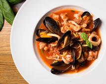Соте з морепродуктами в томатному соусі (350г)