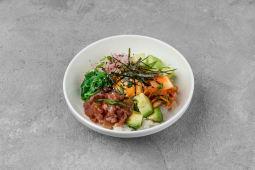 Поке боул з тунцем, з японським рисом і айолі-кимчи (350г)