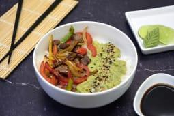 Sushi salad lomo, mix verduras y guacamole