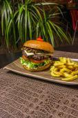 Perth Burger (Avestruz)