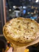 Pizza quatro formaggi con pere