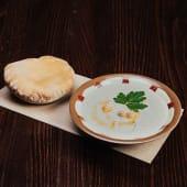 Hummus z bułką pita 220g