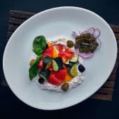 Салат овочевий з ніжним сиром (250г)