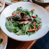 Теплий салат з телятиною (220г)