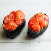 Гункан спайс лосось (80г)