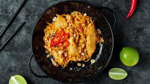 Рисова локшина з куркою під соусом Сатай (280г)