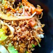Wok de verduras y arroz