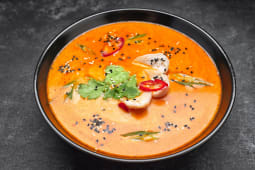 Тайский суп с куркою (320г)