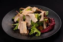 Салат з гусячої грудки (250г)