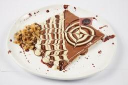 Clătită cu prăjitură cu fulgi de ciocolată