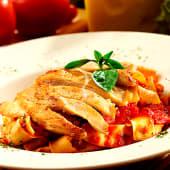 Fettuccine chicken marinara