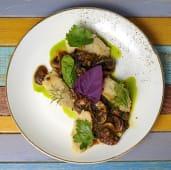 Ciuperci cu spanac și mămăligă integrală cu semințe