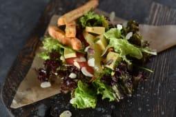 Мікс-салат з цитрусами, ягодами і сирами (220г)