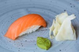 Суші з лососем  (27г)