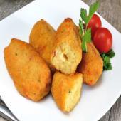 Croquetas caseras de jamón y pollo con papas fritas (5 uds.)