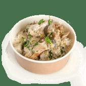 Pui cu orez și sos alb cu ciuperci
