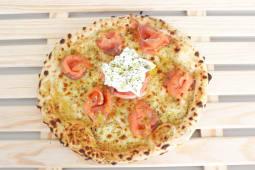 Pizza Salmão e Burrata