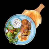Falafel cu humus și salata mix cu mentă