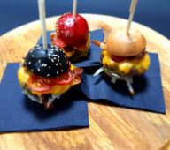 Mini burgeri + Palačinka punjena plazmom keksima i džemom