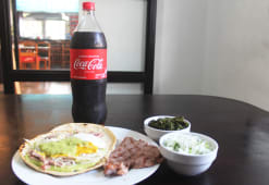 3 tortillas + Coca Cola 1.5 lt.