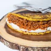 Cachapa Con Queso Y Carne Mechada