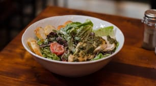 სალათი ცეზარი ბეკონით