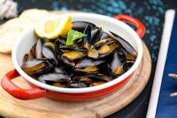 Чилійські мідії у винному  соусі (450г)