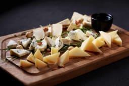 Тарілка європейських сирів (150г)