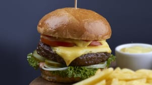 Бургер з яловичиною  класичний (430г)
