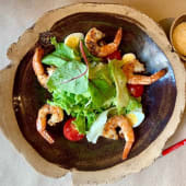 Салат з креветками під соусом (265г)