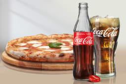 Bianca 4 Formaggi  + bocconcini di pollo + Coca-Cola