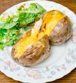Patate, crème fraîche, ciboulette et cheddar râpé