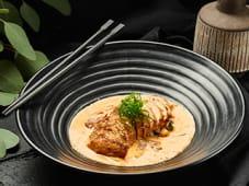 Куряча грудка в спайсі соусі з овочами (110/155г)