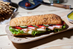 Sandwich cu sunca