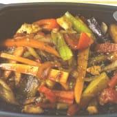 Wok de verduras salteado con pollo