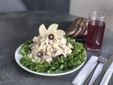 ქათმის სალათი მაწვნის სოუსით