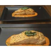 Salmón con salsa de pimenton rojo