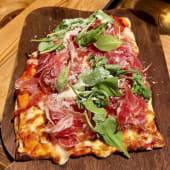 Pizzeta de jamón ibérico