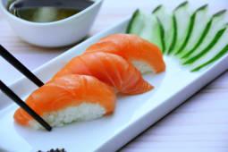 Nigiri salmón (5 piezas)