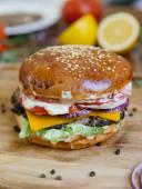 Чизбургер говяжий
