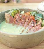 Curry verde suave de magret de pato