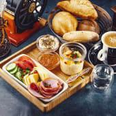 გურმე საუზმე ორი ადამიანისთვის
