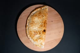 Pizza Calzone inchisa