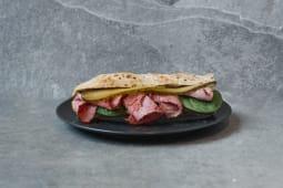 Bagietka wołowina w ziołach / Baguette with beef & horseradish sauce