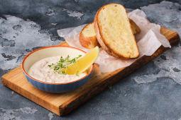 Креветочний мус з хлібом власного виробництва (200г)