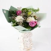 Buchet trandafiri lila și crin imperial galben