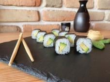 Maki roll cu avocado (8 buc.)