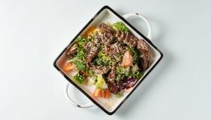 Салат з телятиною гриль (300г)