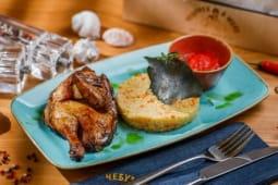 Молоде імбирне курча з розсипчастим кус-кусом та овочами (240/100/30г)